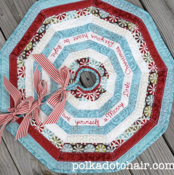 Free Patterns: Christmas Table Runner and Christmas Tree Skirt