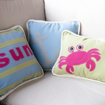 Summer Pillows- with free pattern :)