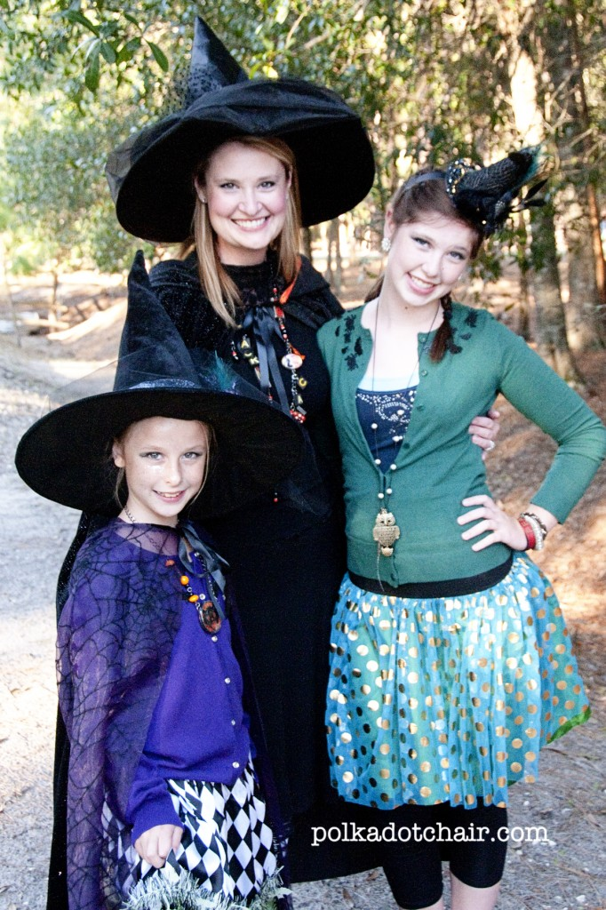How to make a Fascinator for Halloween using a Witch hat. A cute accessory for a Halloween costume or party.