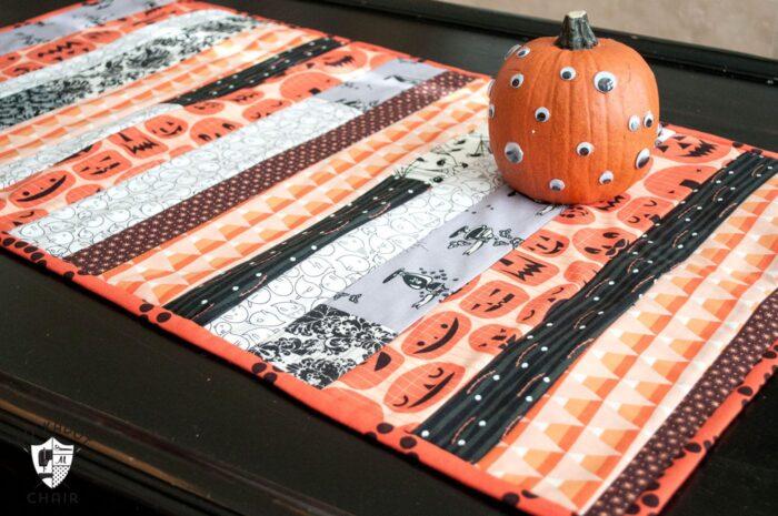 "Cute ""quilt as you go"" Halloween table runner tutorial on polkadotchair.com"