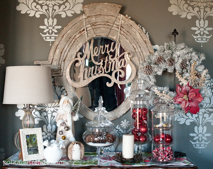 Vintage ish christmas display christmas decorating ideas for Retail christmas decorations ideas