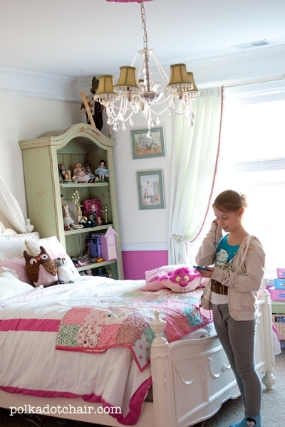 Pink and White Girls Bedroom Ideas