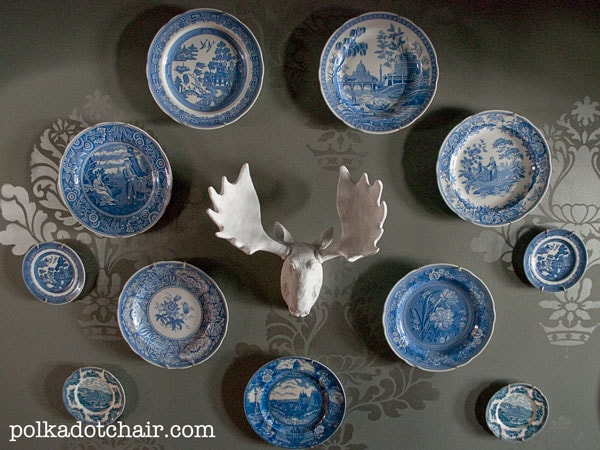 Fun & Whimsical Plate Wall Display Idea
