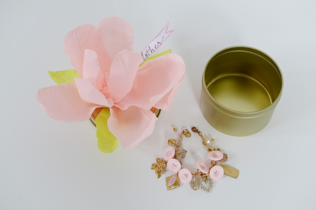 pinkflowercharm-1