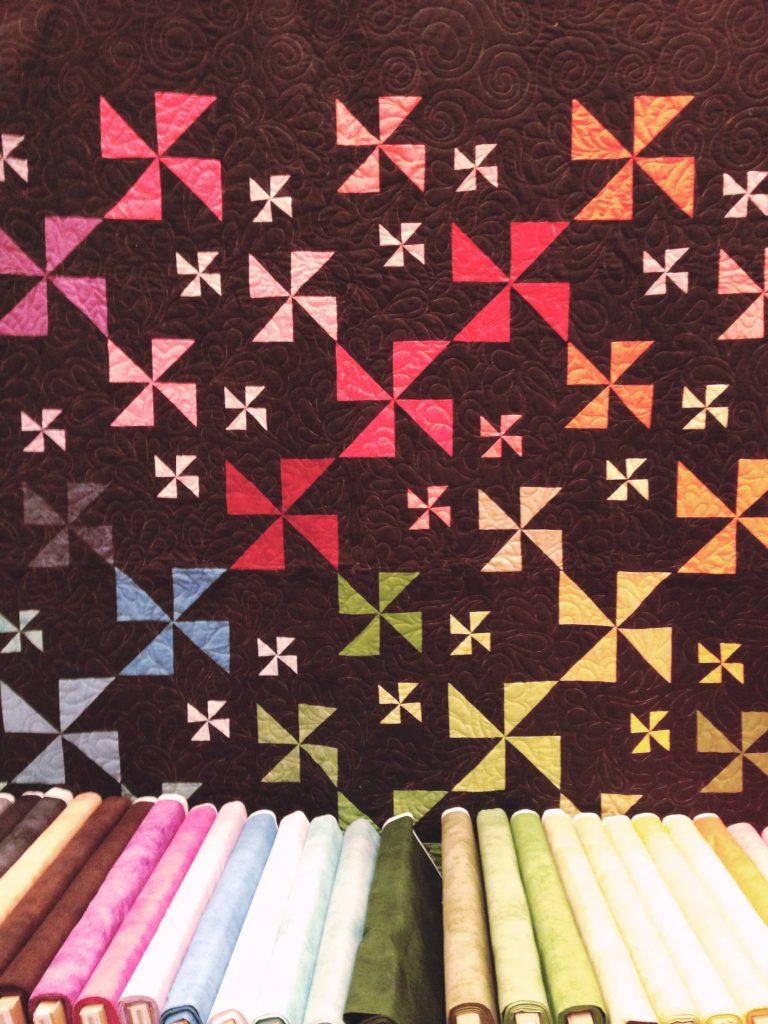 solid-pinwheel-quilt