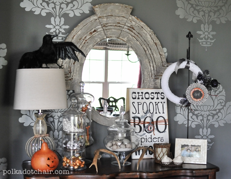 Decorating Ideas > DIY Halloween Wreath Ideas (ps Its Interchangeable !) ~ 232946_Halloween Room Decor Diy