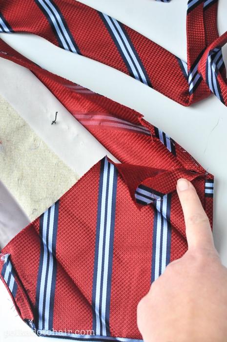 necktie-zip-pouch-3