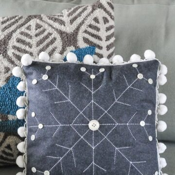 How to make a Winter Snowflake Pillow