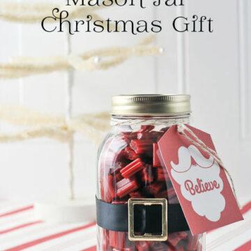 Santa Mason Jar Christmas Gift Idea