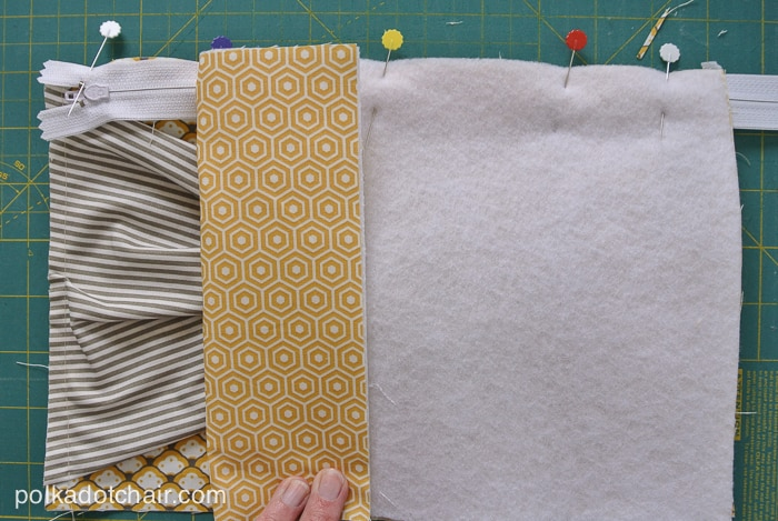 Bow Front Clutch Tutorial on polkadotchair.com
