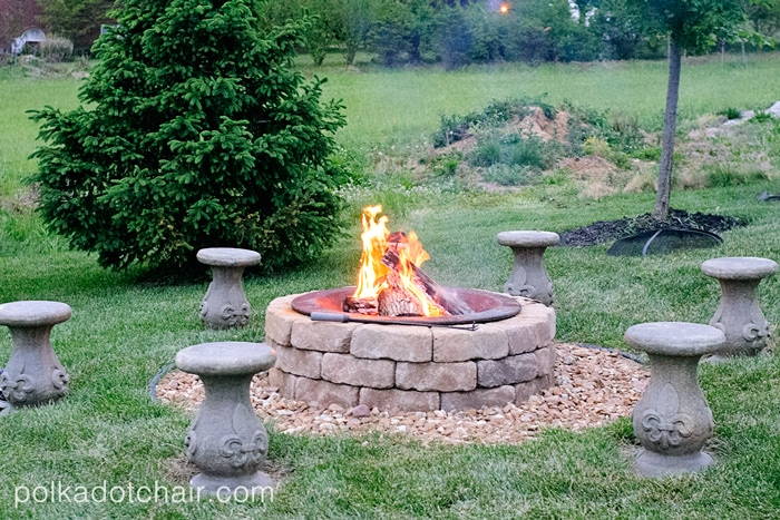 outdoor-fire-pit-seating-area