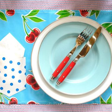 Summertime Pocket Oilcloth Placemats