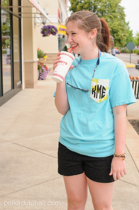Diy monogrammed pocket tee tutorial for Pocket tee shirts for womens