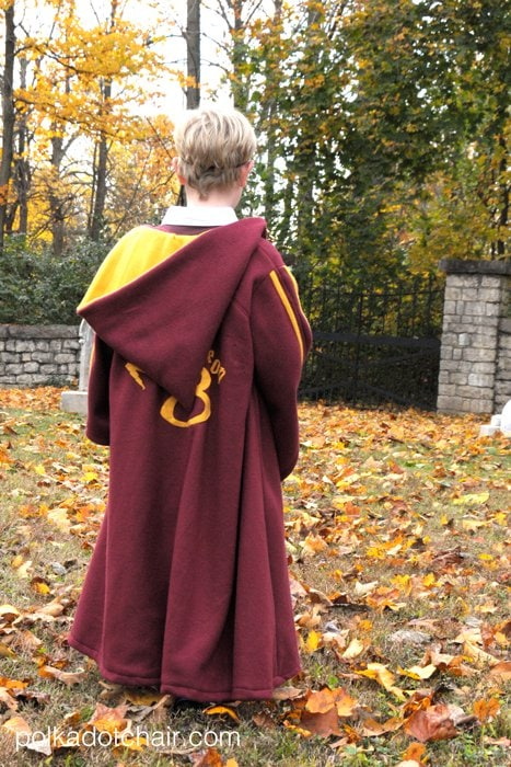 Make Your Own Quidditch Robes A Diy Harry Potter Costume