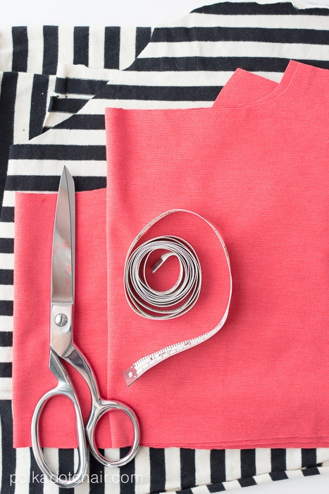 Learn the in's and out's of sewing with knit fabrics!