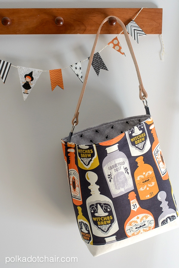 Trick or Treat Tote Bag Pattern by Melissa Mortenson of polkadotchair.com