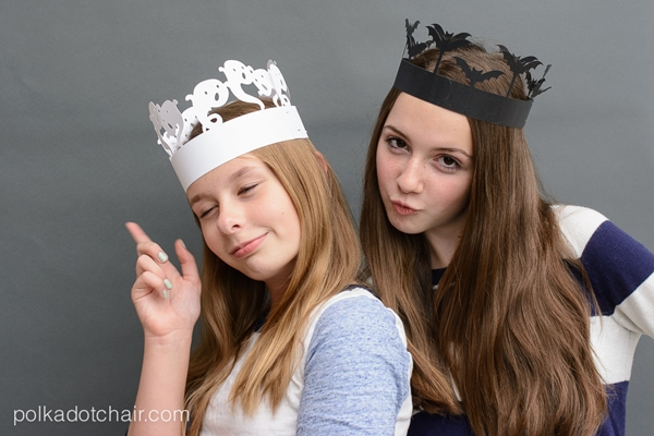Halloween Party Crowns- a fun alternative to party hats!