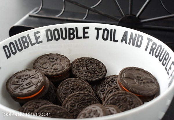 Decorate a simple dish with vinyl lettering!