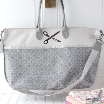 DIY Monogrammed Tote Bag on polkadotchair.com