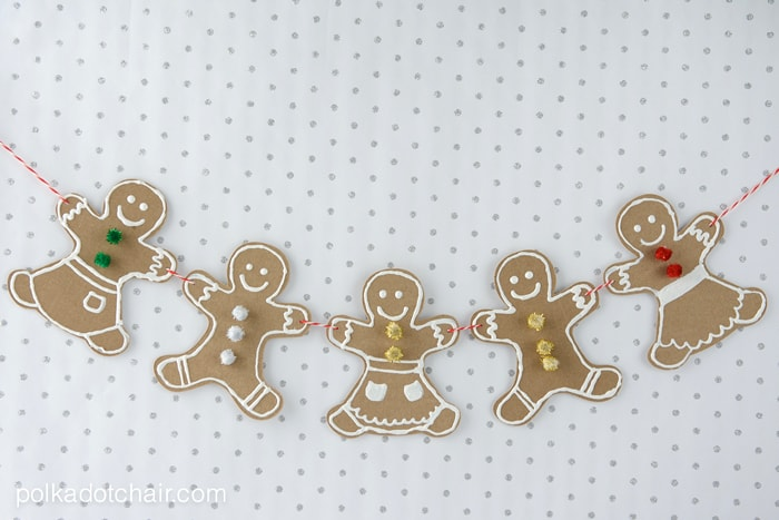 DIY Gingerbread Men Garland Craft Kit, makes a great neighbor gift for Christmas!