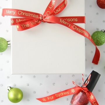 DIY Printable Ribbon and Creative Christmas Gift Wrap Ideas