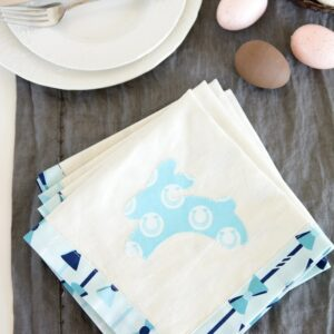 How to Sew Easter Napkins, a free sewing pattern.
