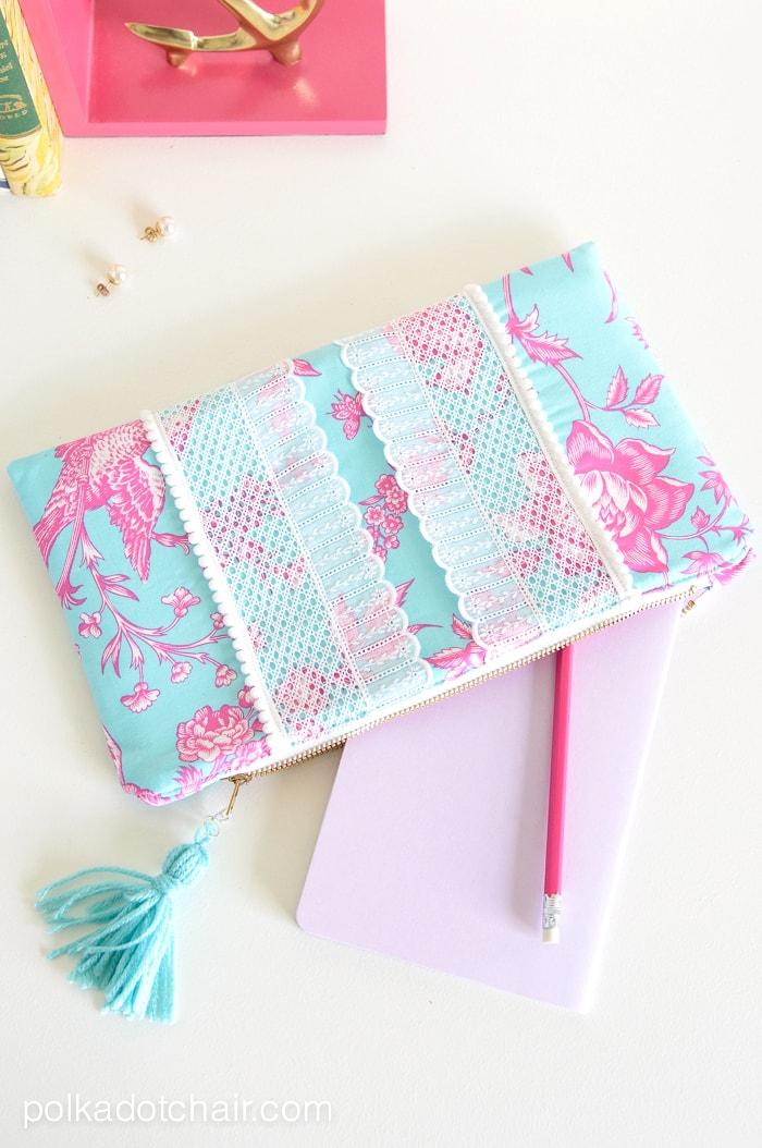 http://www.polkadotchair.com/wp-content/uploads/2015/04/cute-summer-clutch-sewing-pattern.jpg
