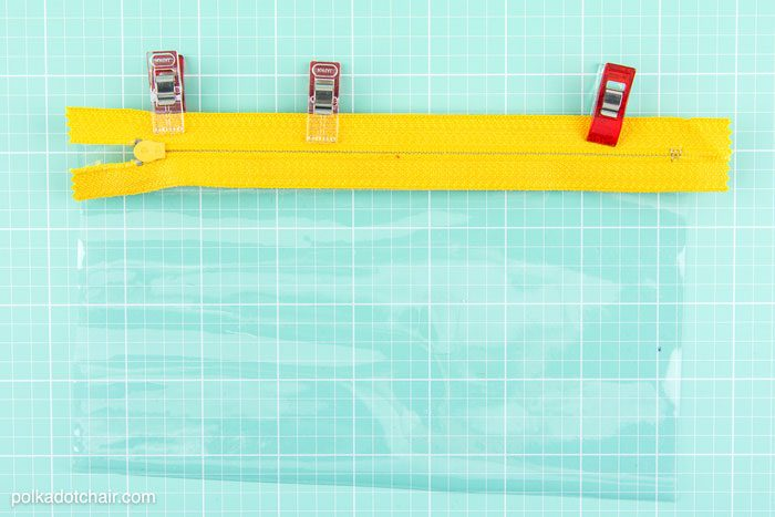 """Sewing Pattern for a """"Splash Proof"""" zippered phone pouch. Totally making one of these for summer."""