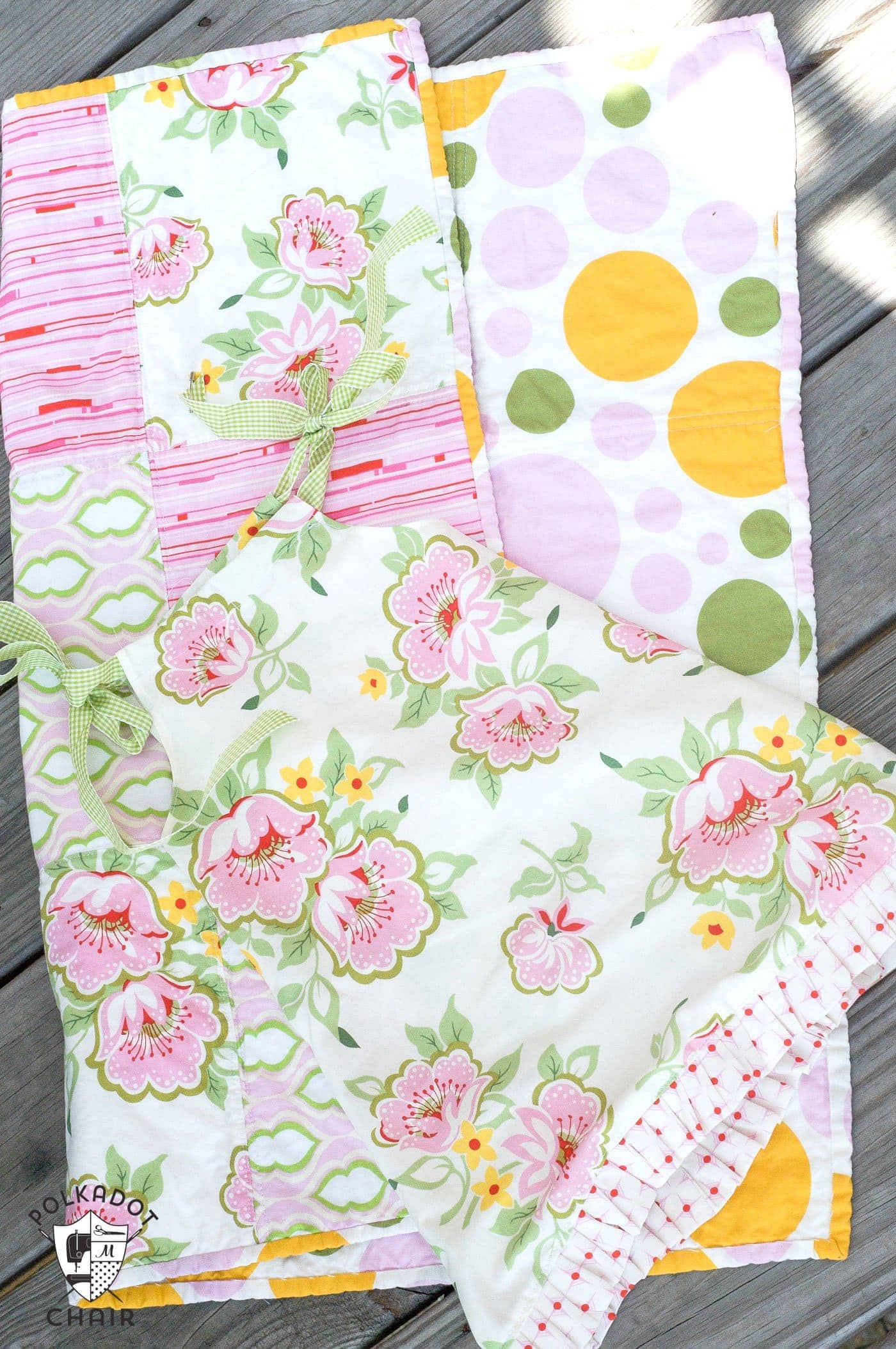 Tutorial Fat Quarter Baby Dress Amp Easy Baby Quilt