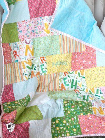 Snuggly Bricks Pattern Quilt tutorial on polkadotchair.com