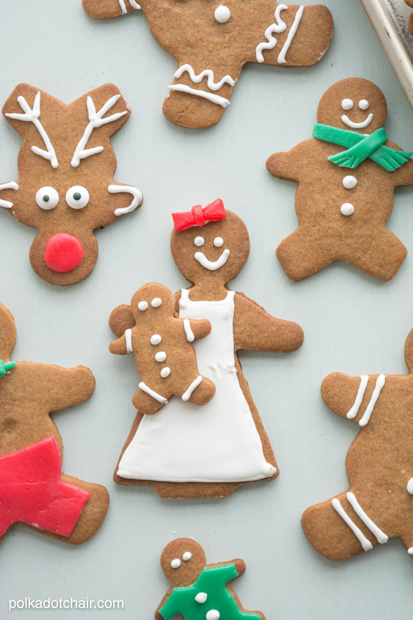 "Gingerbread Christmas Cookie Decorating Ideas, use Airheads candy to cut out ""clothes"" and accessories for your gingerbread men"