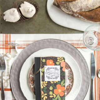 DIY Thanksgiving Gratitude Journal, love the idea of setting them out on the Thanksgiving dinner table (would also be great to use all year long)