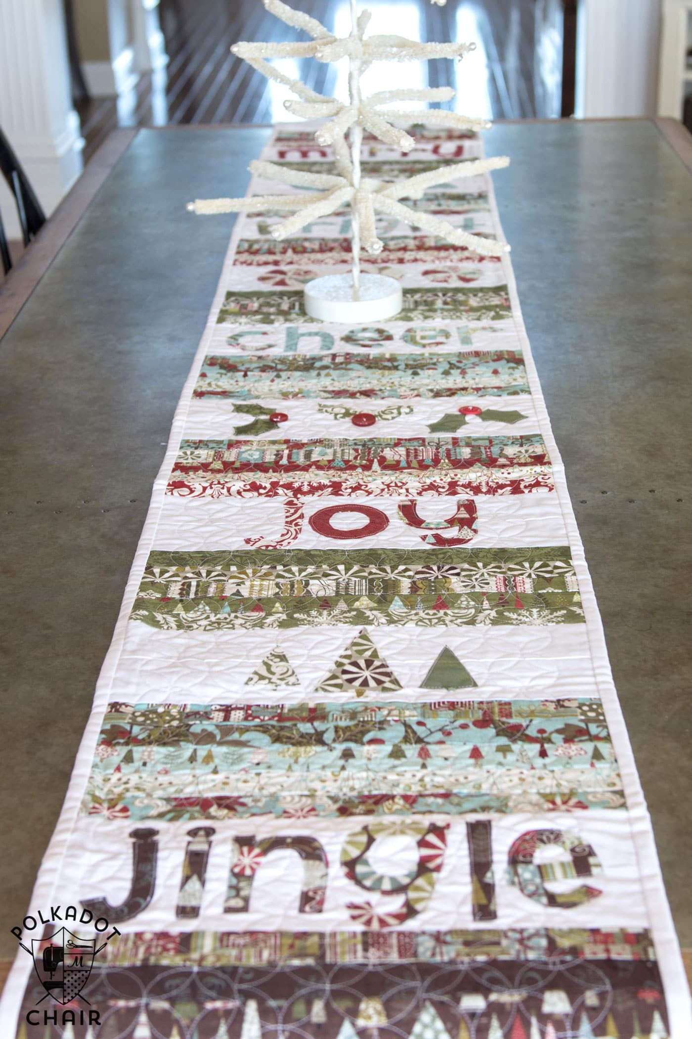 Merry cheer quilted christmas table runner pattern the for Round table runner quilt pattern