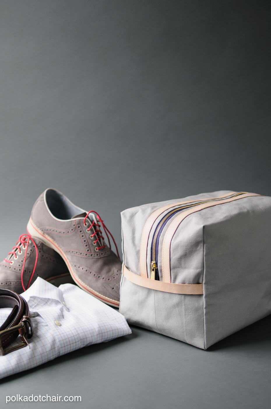 Sewing Pattern and Tutorial for a Canvas Dopp Kit, it even has a bit of leather.. makes a great gift