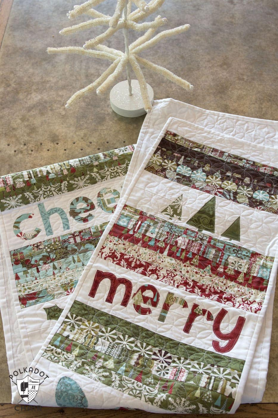 Christmas Table Runner Patterns Free.Merry Cheer Quilted Christmas Table Runner Pattern The