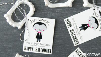 halloween-vampire-teeth-printable