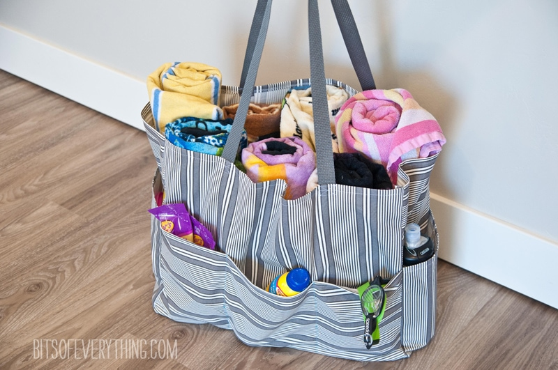 Pool Bag Sewing Tutorial and Free Pattern by Bits of Everything