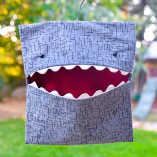 DIY Shark Clothespin Holder by Hey Let's Make Stuff - a free sewing pattern for a clothespin holder