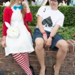 Fun no sew last minute Halloween costume ideas for Alice in Wonderland Costumes #halloween #halloweencostumes #aliceinwonderland #aliceinwonderlandcostume