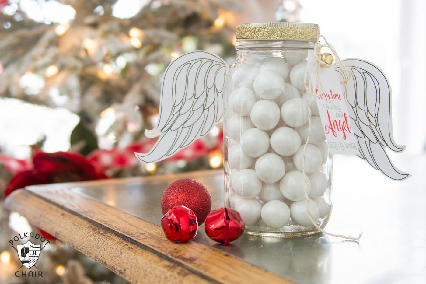 Cute Angel Christmas Mason Jar Gift Ideas and printable Christmas tags and angel wings on polkadotchair.com
