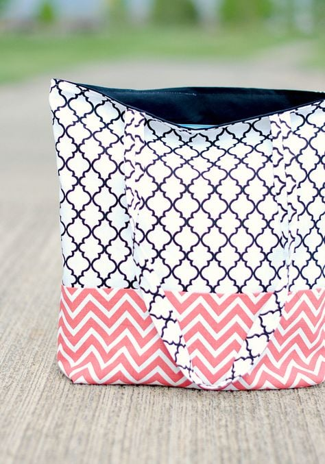 Easy tote bag by crazylittleprojects.com