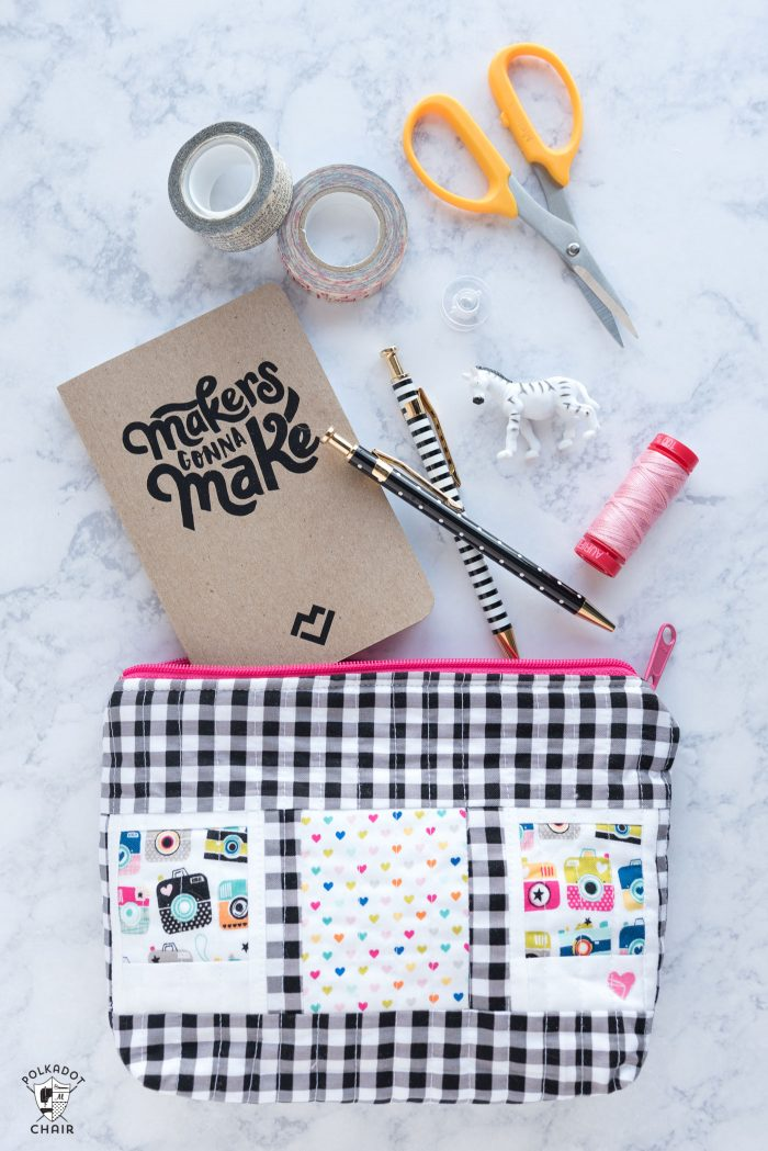 How to make a quilted zippered pouch using polaroid quilt blocks