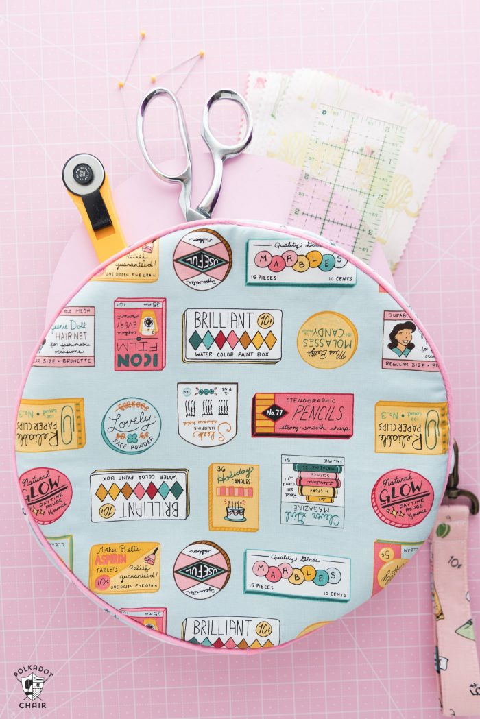 Round Bag made from Alice Bag Sewing Pattern with Five and Dime Fabric by Riley Blake Designs