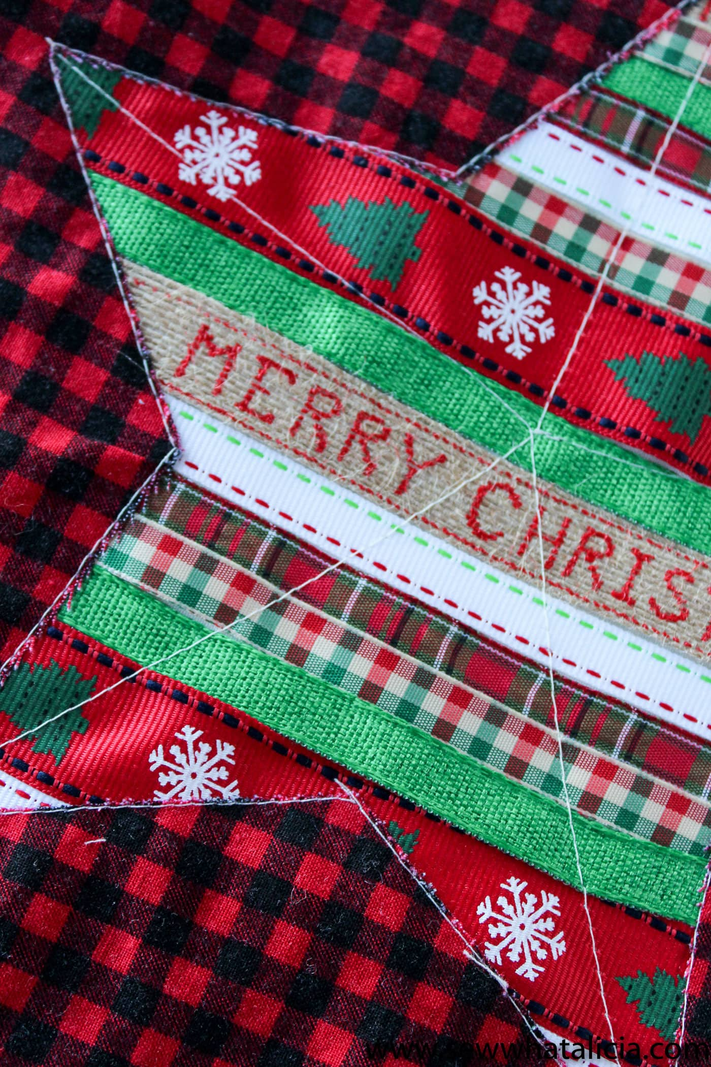Christmas Table Runners To Sew.Reverse Applique Christmas Table Runner Tutorial The Polka