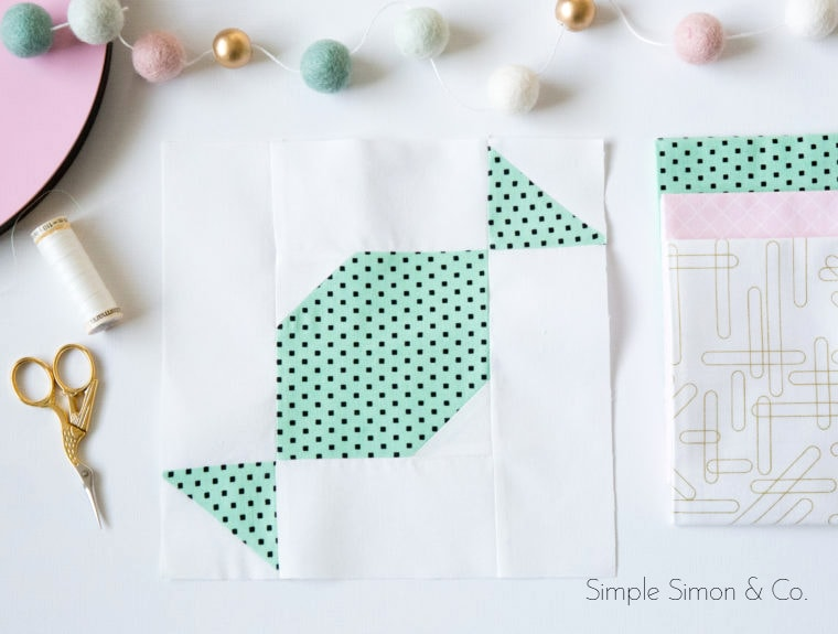 A free quilt block tutorial for a Sweet Treats Quilt Block - would make such a fun Christmas quilt. #quiltblock #quilts #quiltblocktutorial #freequiltpatterns