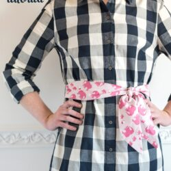 Learn how to make a fabric belt or sash with this free sewing tutorial. Can be made in multiple sizes. #FabricBeltTutorial #fabricbelt #sewingtutorial