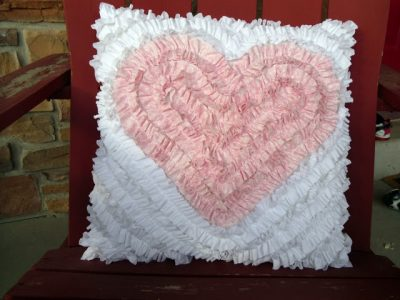 How to make a ruffly Valentine's Day Pillow