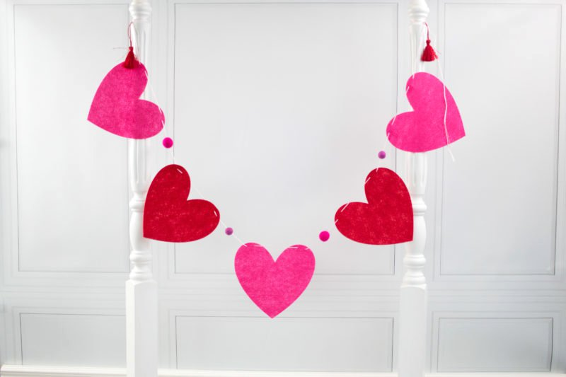 How To Make A Heart Banner   A Cute Valentineu0027s Day Craft Idea. Use This