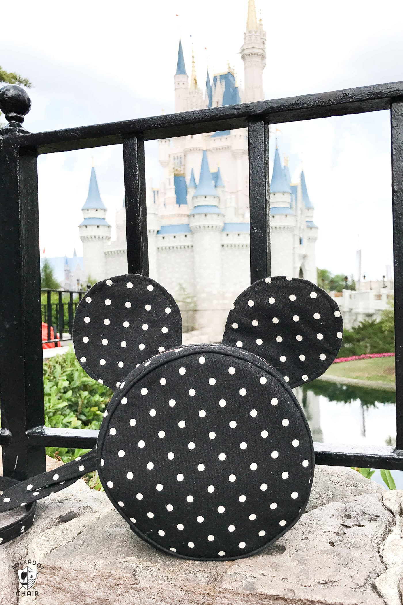 diy disney mickey mouse inspired round bag pattern