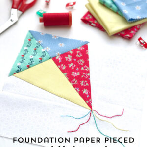 Learn how to paper piece with this foundation paper piecing tutorial by Sarah Ashford on polkadotchair.com . Includes a free kite paper piecing pattern #paperpiecing #foundationpaperpiecing #quilts #quiltblock #quiltpatterns